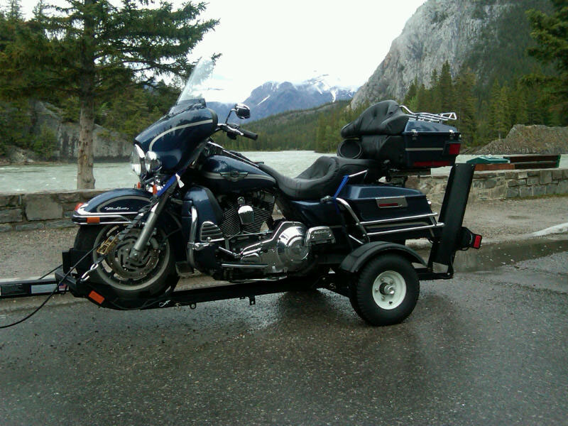 Stinger Single Motorcycle Trailer - FREE SHIPPING